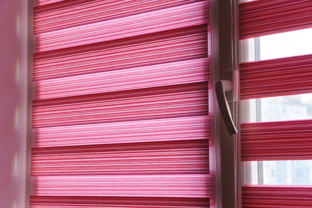 rolgordijnen in je nieuwe huis - raamdecoratie